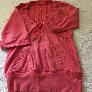 Pink lululemon sweatshirt, great used condition.